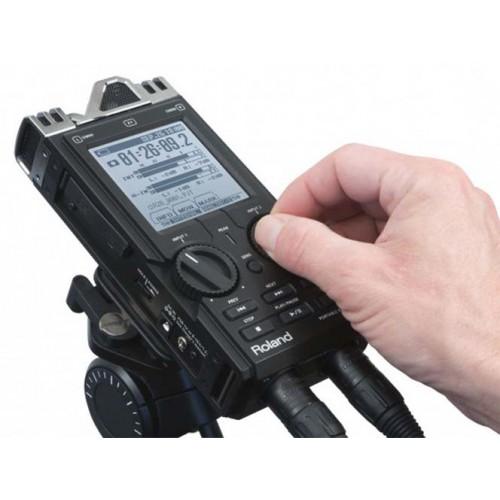 Máy ghi âm chuyên nghiệp Roland R-26